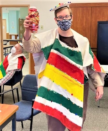 Education, celebration for Cinco de Mayo -It was a big day for culture at  ProAct in Red Wing, as classroom instructor A'ja Garza helped  participants understand the real meaning of the Cinco de Mayo holiday,  and used available materials to enhance…
